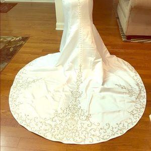 Strapless Dreams Full Train Wedding Dress